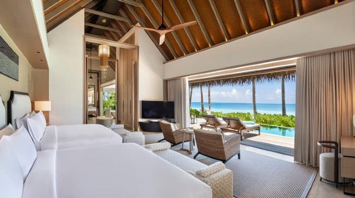 Two Queen Bedded Grand Beach Villa with Pool